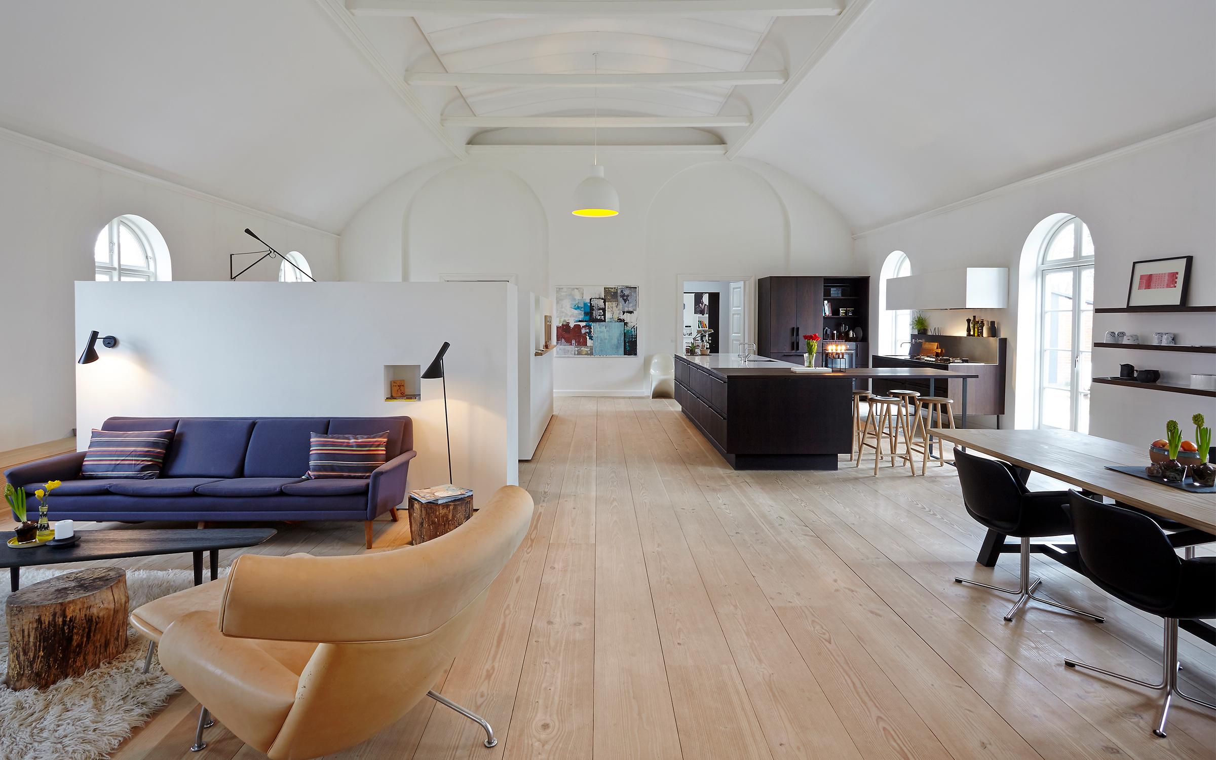 Fra menighedhus til moderne familiebolig - Danske Boligarkitekter