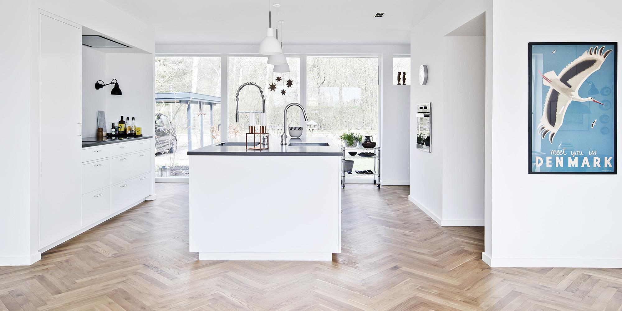 gulv i køkken